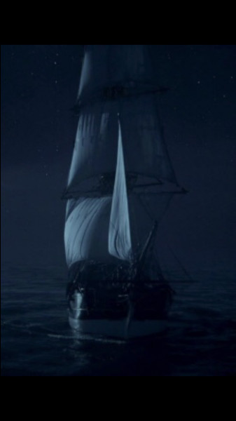 Son bateau s'appelle le Jolly Roger.