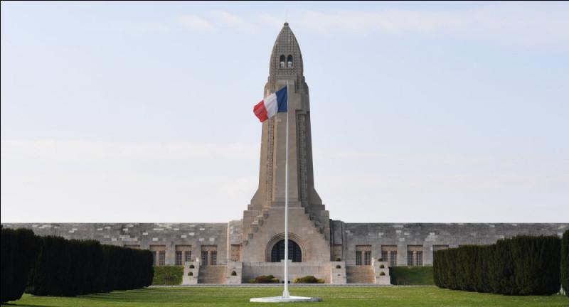 Dans quel département se trouve le Mausolée de Douaumont ?