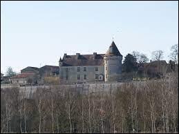 Ancienne commune néo-aquitaine de l'arrondissement de Confolens, Bayers se situe dans le département ...