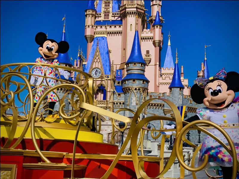 Un hôtel dédié à l'art et aux héros des studios ... a ouvert ses portes à Disneyland Paris.