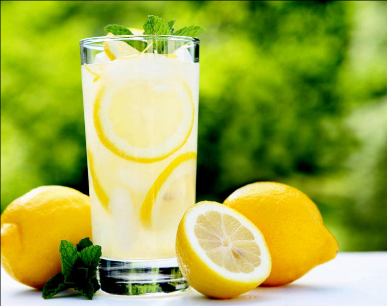 Quels sont les bienfaits de l'eau citronnée ?