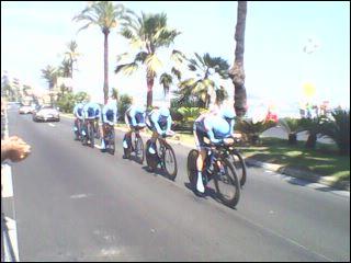 Le coureur cycliste Mathieu van der Poel est le petits-fils de Raymond Poulidor. De quelle nationalité est-il ?