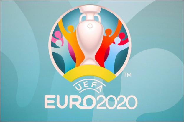 Dérogeant aux règles habituelles, l'Euro 2021 permet aux équipes d'effectuer plusieurs changements de joueurs par match. Combien ?