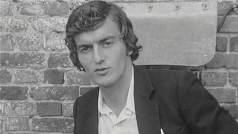 Dans quelle émission télévisée fait-il sa première apparition, le 8 aout 1972 ?