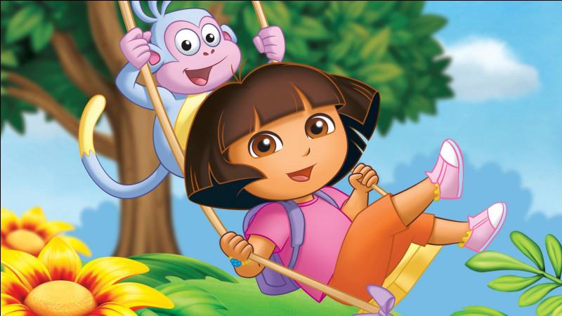 De quelle couleur est le t-shirt de Dora ?