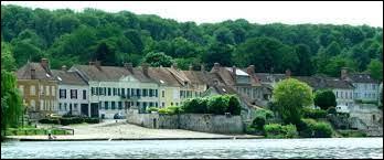 Nous terminons notre balade en Île-de-France, à Thomery. Ville entre la Seine et la forêt de Fontainebleau, elle se situe dans le département ...