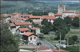 Commune d'Auvergne-Rhône-Alpes, dans le Forez, Chazelles-sur-Lavieu se situe dans le département ...