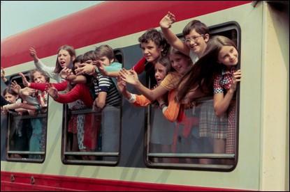 Ce film, proche du documentaire, raconte la vie des enfants dans une classe d'Auvergne dans les années 70. Quel est son titre ?
