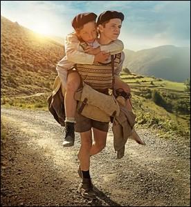 """Le film """"Un sac de billes"""", sorti en 1975, raconte la fuite de deux enfants juifs à travers la France occupée. Qui est le réalisateur ?"""