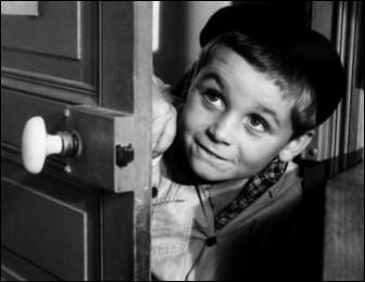 Dans quel film de 1962 peut-on entendre la fameuse réplique « Ah ben mon vieux, si j'aurais su, j'aurais pô v'nu ! » racontant la lutte entre deux groupes d'enfants ?