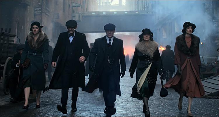 Les membres d'une famille de criminels veulent devenir un clan incontournable de la criminalité britannique. Quelle est cette série ?
