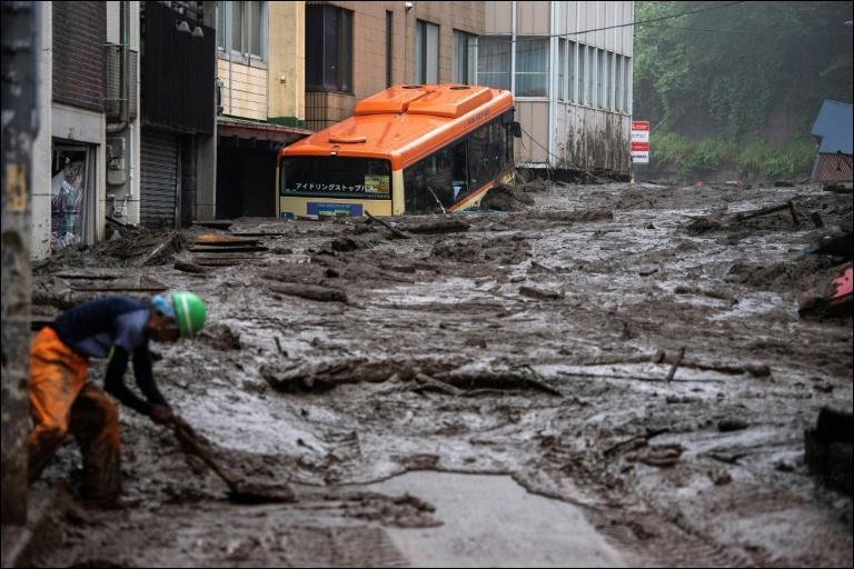 3 juillet : Une coulée de boue a tué 2 personnes et 20 autres sont portées disparues. Dans quel pays se passe ce drame ?