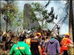 4 juillet : Dans les Philippines, un avion militaire s'écrase. Combien y a-t-il eu de morts au total ?