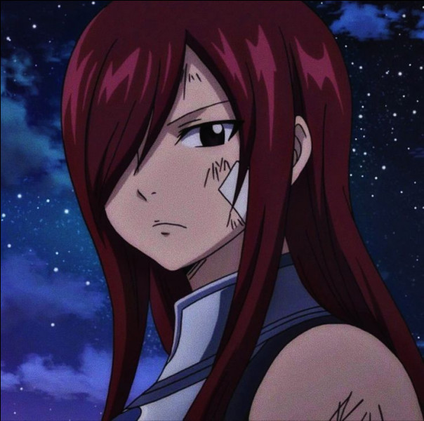 Comment surnomme-t-on Erza Scarlett ?
