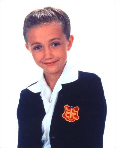 Quel rôle joue la petite Grâcie, qui n'est pas très douée, dans le spectacle d'école que Fran met en scène ?