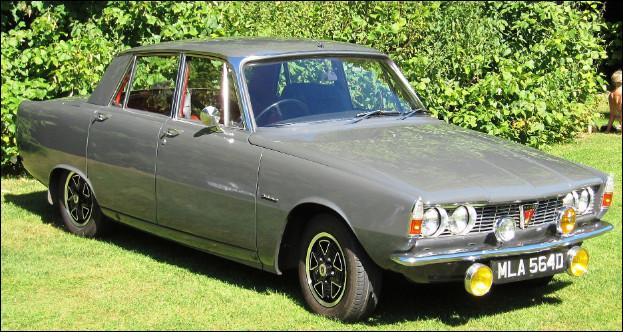 Première lauréate du prix de la voiture européenne de l'année, cette automobile britannique a porté plusieurs noms selon sa cylindrée. Quel est son nom ?