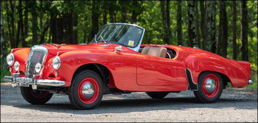 Dans l'histoire automobile, deux régions européennes sont connues pour avoir longtemps construit des cabriolets comme celui en illustration. Saurez-vous me nommer ce cabriolet ?