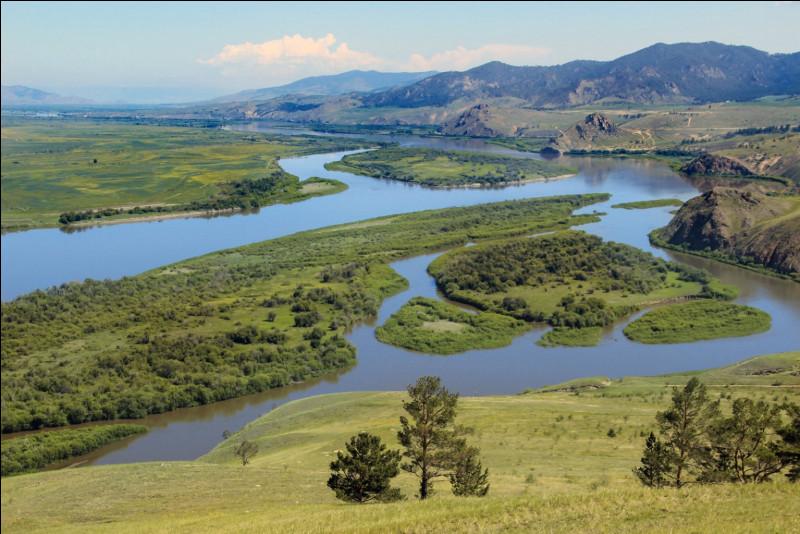 Imaginez-vous chevaucher à travers l'immensité des steppes de Bouriatie. Où pourriez-vous avoir cette chance ?