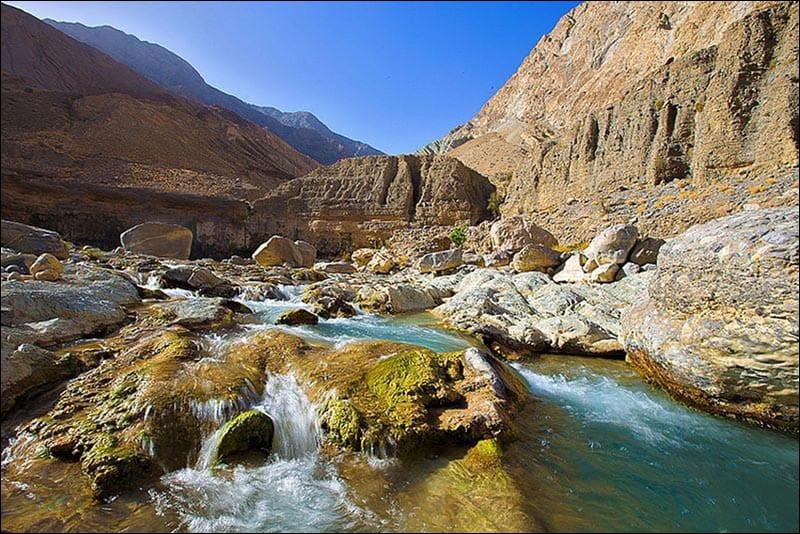 Nettement moins touristique et onirique, et pourtant doté d'une nature remarquable, nous voici au Baloutchistan. Quelle est notre destination ?