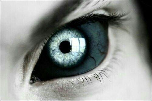 «L'œil était dans la tombe et regardait Caïn» Quel est le titre de ce poème de Victor Hugo ?