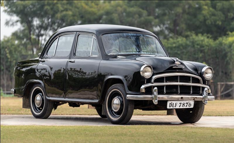 """Surnommée la """"Reine des routes indiennes"""", cette voiture est plus connue que le modèle britannique qui lui servit de base. Quelle est cette voiture indienne ?"""