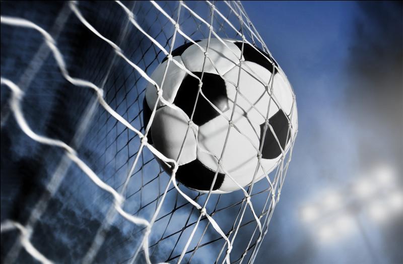 Quelle légende du football français est désormais le nouvel entraîneur du club anglais de Crystal Palace ?