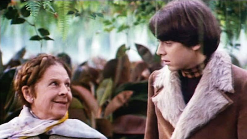 Dans le film de Hal Hasby, Le jeune Harold, dépressif, finira par tomber amoureux d'une vieille dame dynamique. Quel est son prénom ?
