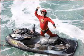 Qui est de retour pour animer une épreuve en pleine mer ?
