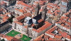 Dans quel département se trouve la ville de Lunéville ?
