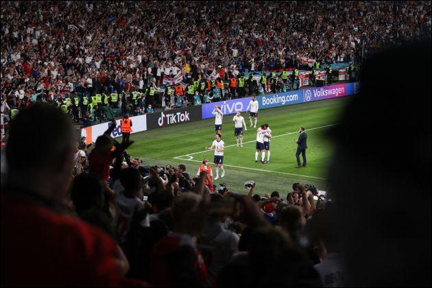 Qui inscrit le but anglais lors de la finale ?
