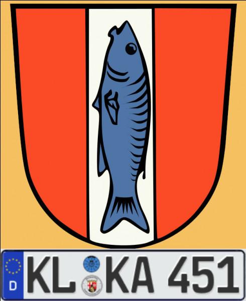 La ville de Caseloutre (nom francisé !) aurait-elle un rapport avec un empereur ou un animal aquatique ? Et quel est son nom d'usage actuel ?