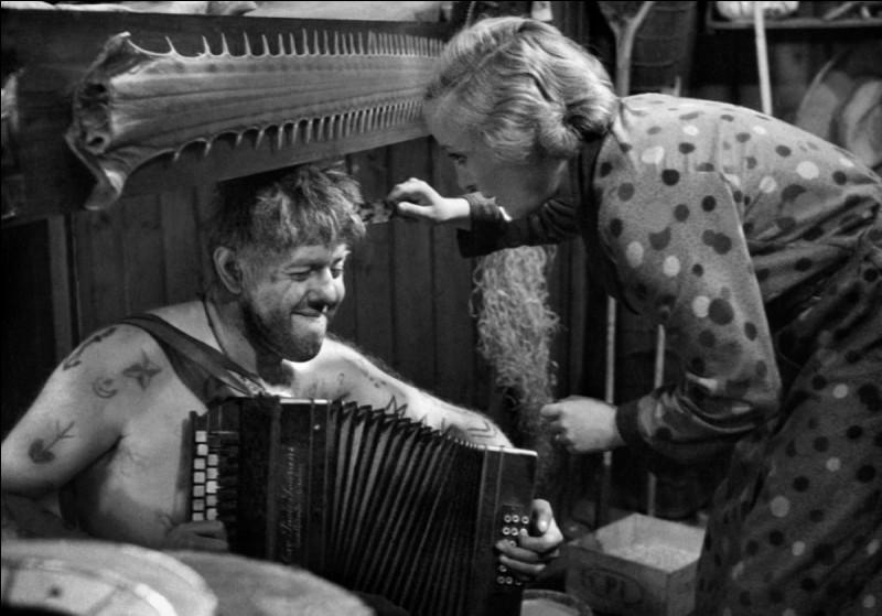 """Quel nom fut donné à """"L'Atalante"""", le film de Jean Vigo, au moment de sa sortie en 1934 ?"""
