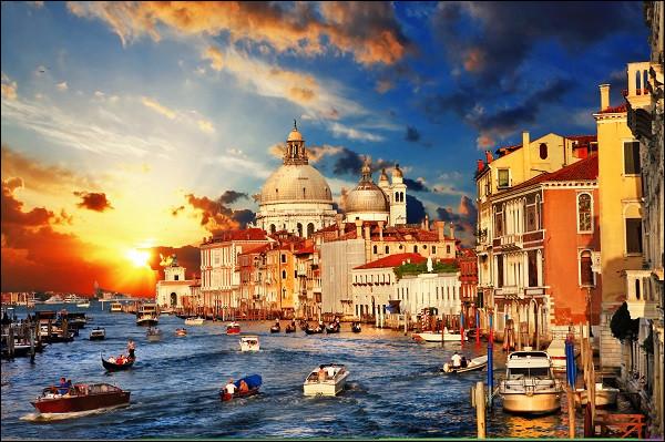 Pour qui Venise était-elle triste ?
