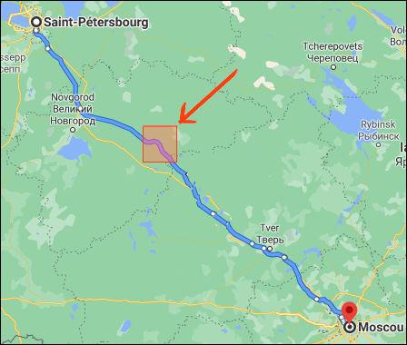 Selon la légende, pourquoi la ligne ferroviaire Moscou - St-Petersbourg fait-elle un détour de 17 km ?