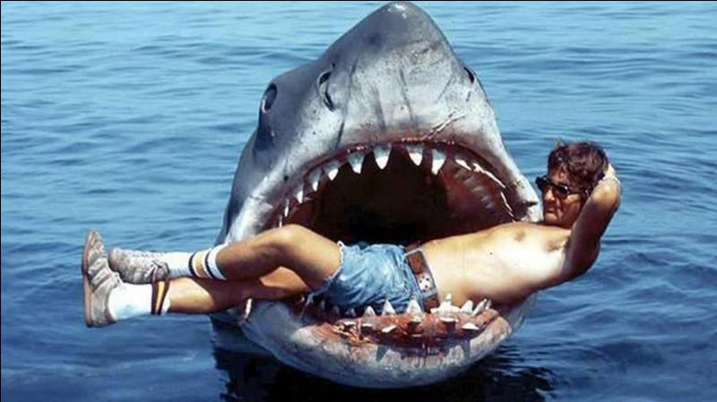"""Quel est le surnom du requin du film """"Les Dents de la mer"""" ?"""