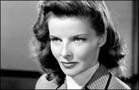 """Cinéma : Katharine Hepburn est la comédienne la plus récompensée par l'Oscar de la meilleure actrice avec 4 récompenses. Quelle reine a-t-elle incarné dans le film """"Le lion en hiver"""" ?"""