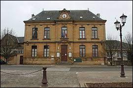 Ville de l'arrondissement de Sedan, Donchery se situe ...