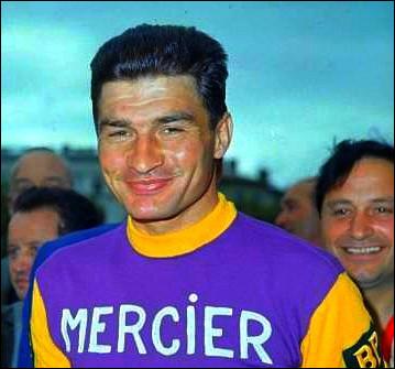 Le très populaire Raymond Poulidor n'a jamais participé au tour d'Italie.