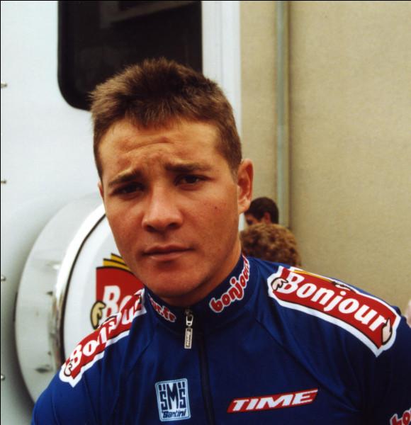 Pour son premier grand Tour en 2001 Thomas Voeckler prend la 135e place au classement final. Il est le seul de l'équipe Bonjour à terminer.