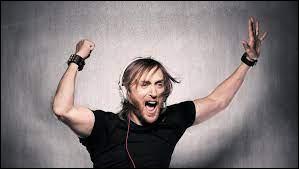 """Quelle chanteuse pose sa voix sur le hit """"Titanium"""" de David Guetta ?"""