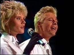 """Quel groupe a chanté """"Johnny, Johnny Come Home"""" en 1988 ?"""