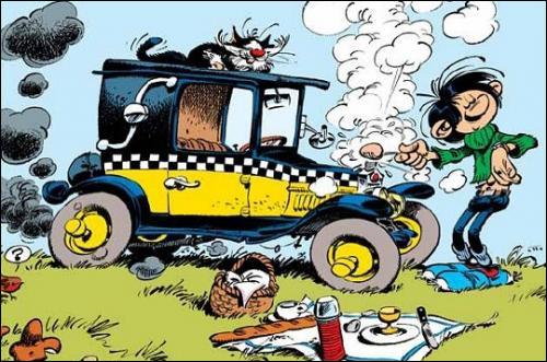 Vieille voiture en mauvais état, qui fait du bruit et n'avance pas :
