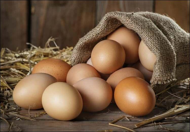Quel est, en grammes, le poids moyen d'un œuf de poule ?