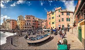 Dans quelle région italienne se situe la ville de Gênes ?
