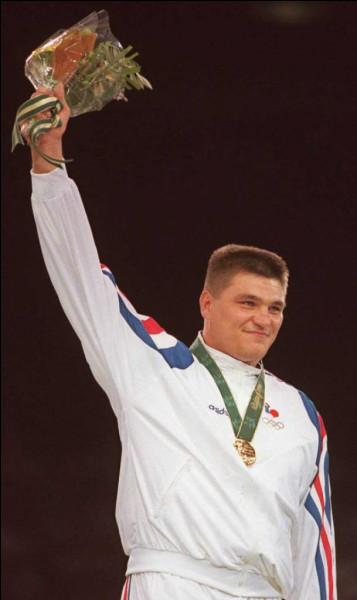 C'est en 2000, dans la capitale australienne, que David Douillet obtient sa deuxième médaille d'or olympique.
