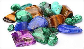 Malachite : de quelle couleur est cette pierre ?
