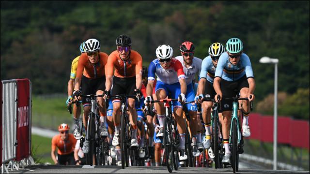 Aux Jeux Olympiques du Japon, quel cycliste a remporté la médaille d'or de l'épreuve de course sur route le 24 juillet 2021 ?