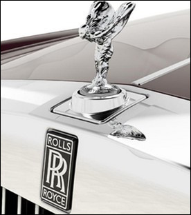 Le bouchon de radiateur d'une Rolls Royce est bien connu. Comment se nomme cette statue du sculpteur anglais Charles Sykes ?