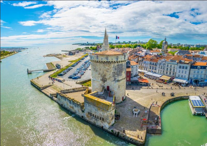 Quel est le chef-lieu du département de la Charente-Maritime ?