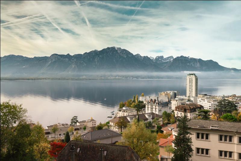 Montreux : dans quel canton suisse, est située la ville de Montreux ?